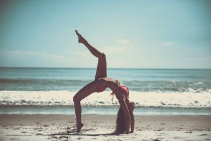 5 reasons why beach yoga is good for body and soul