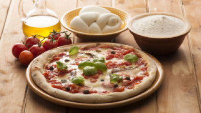 Pizza preparation basics and ingredients